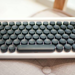 Lofree Four Seasons: Unique Keyboard with a Retro Style